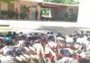VIDEO: NIÑOS APRENDEN ENTRE BALAS