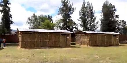 MAESTROS EN OAXACA VENCEN TODO PARA CUMPLIR SU LABOR