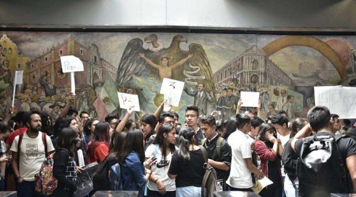 UNAM ACEPTA PETICIONES DE LOS ESTUDIANTES