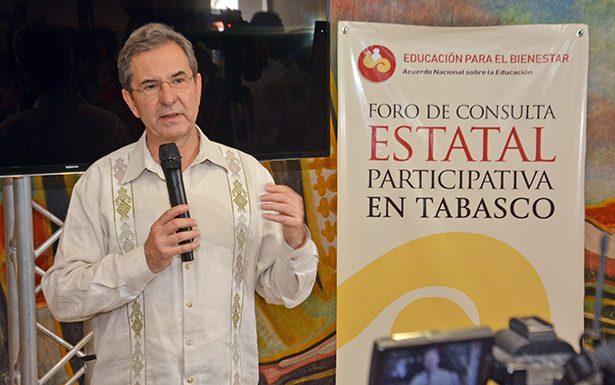 MOCTEZUMA PROMETE REINSTALACIÓN DE MAESTROS