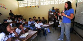 MÉXICO NO CUMPLE CON EL DERECHO A LA EDUCACIÓN